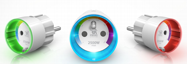 Prise murale interrupteur avec mesure de la consommation et affichage RVB